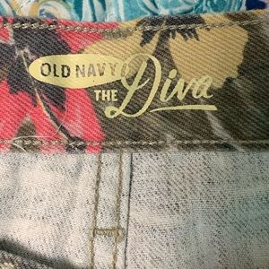 Old Navy Shorts - Like New Old Navy Diva Fit shorts